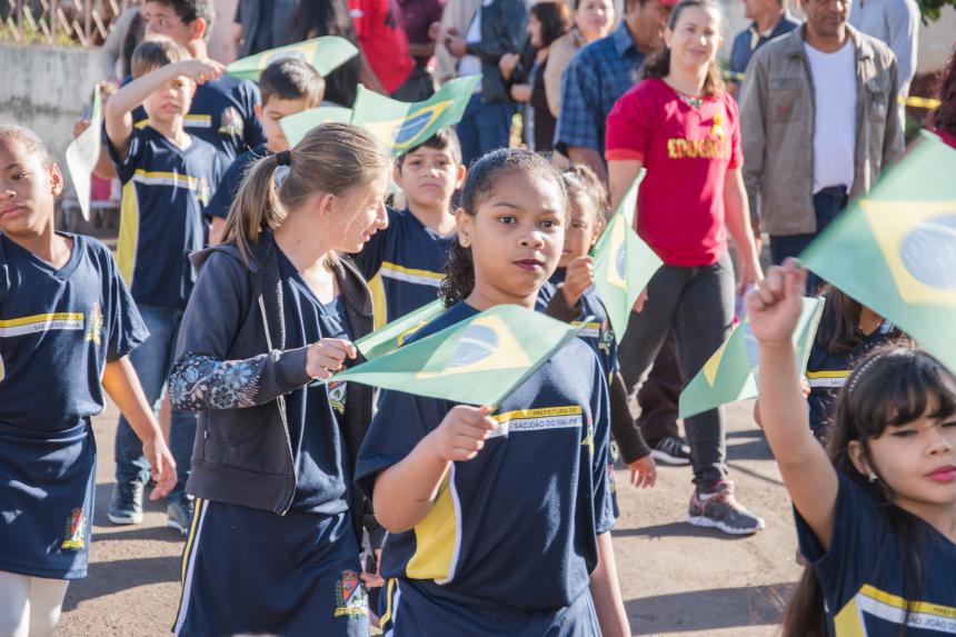 População de São João do Ivaí se emociona com Desfile da Independência