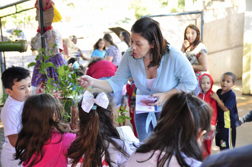 Escolas Municipais de São João do Ivaí promovem feiras de empreendedorismo
