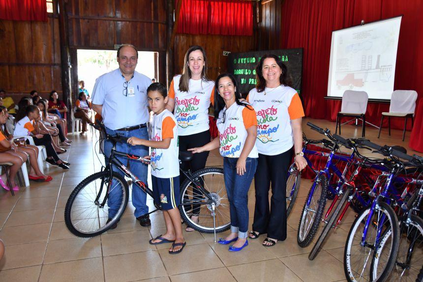 Premiação marca encerramento do projeto Escola no Campo