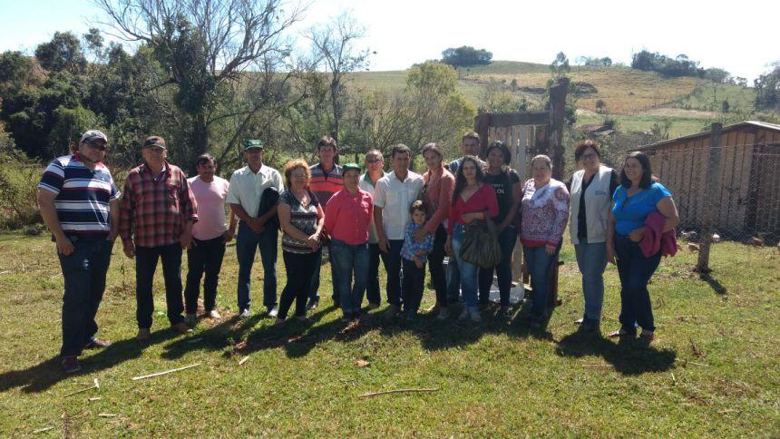 Produtores de São João do Ivaí conhecem produção de ovos em sistema orgânico