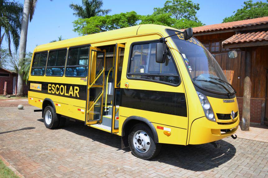 Prefeitura adquire ônibus para o transporte escolar
