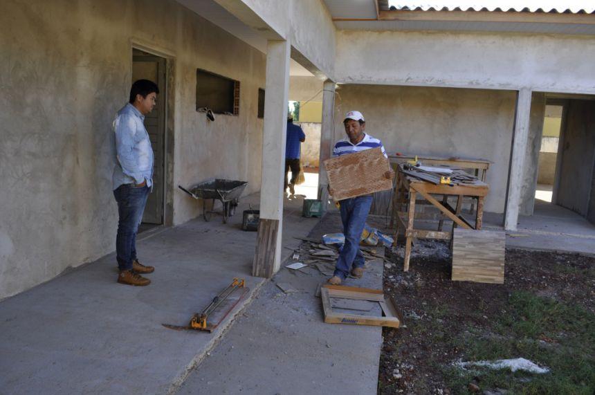 Hidek visita obras de ampliação do CMEI Vovó Bárbara