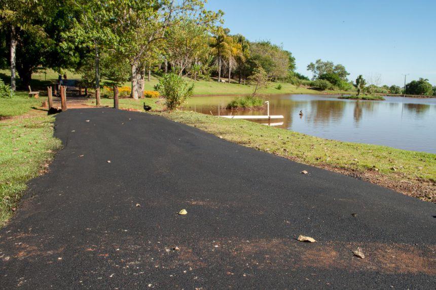 Prefeitura revitaliza pista de caminhada no Fundo de Vale