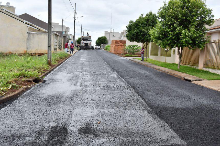 Prefeitura aplica micropavimento em ruas do Residencial Caleffi I