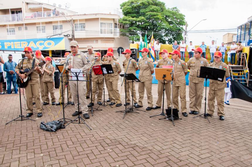 Aniversário de São João do Ivaí foi marcado por desfile cívico e muita emoção