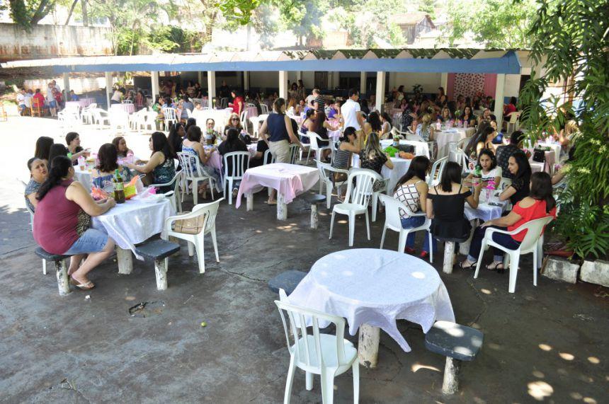Secretaria de Educação realiza almoço para funcionários e professores