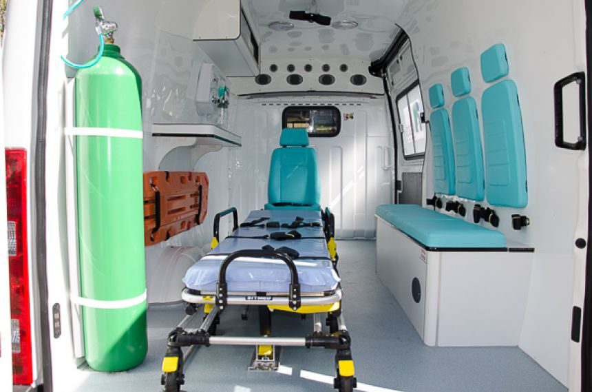 Prefeitura de São João do Ivaí reforça frota da saúde com aquisição de ambulância e van