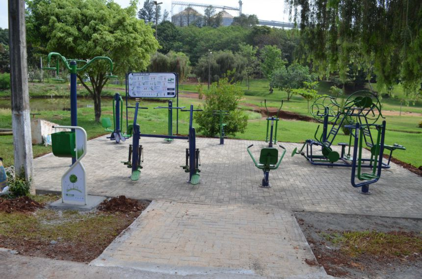 Prefeitura instala academia no Parque Lagoa Prateada