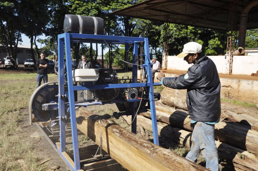 Prefeitura de São João do Ivaí compra serraria portátil para beneficiar produtores rurais
