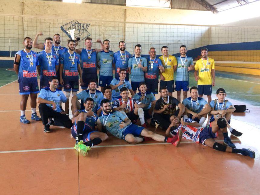Voleibol masculino de São João do Ivaí é pentacampeão da fase regional dos JAPS