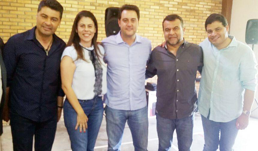 """Vice-prefeita de São João do Ivaí participa de evento para """"novos gestores"""" em Pronta Grossa"""