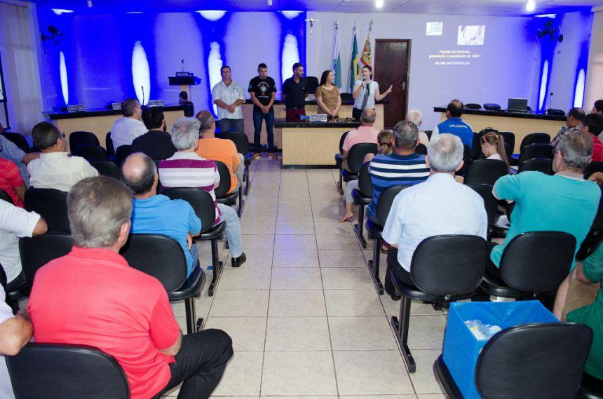 Secretaria de Saúde encerra Novembro Azul com palestra e café da manhã