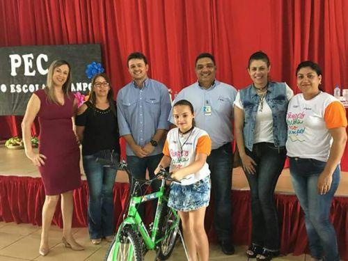 Projeto Escola no Campo premia alunos em São João do Ivaí