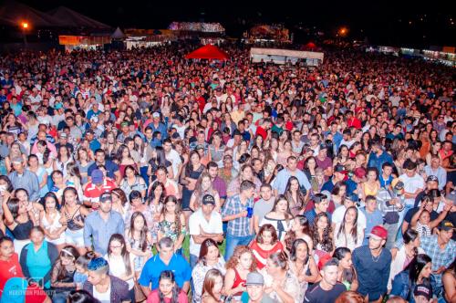 Milhares de pessoas prestigiam festa de aniversário de São João do Ivaí