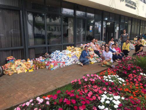 Prefeitura arrecada mais de 5 toneladas de alimentos que serão doados para entidades