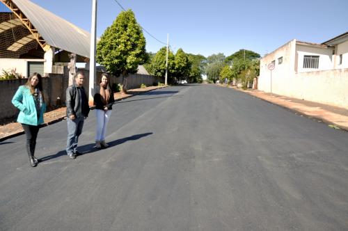 Prefeitura realiza recapeamento em ruas esburacadas