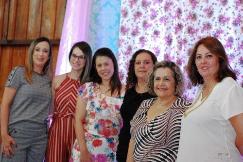 """Mulheres são homenageadas com premiação """"Destaque 2017"""" em São João do Ivaí"""