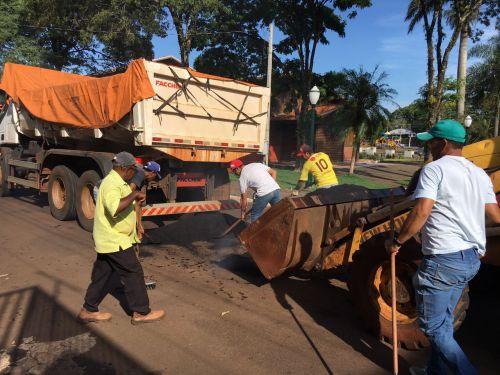 Prefeitura realiza operação tapa buraco