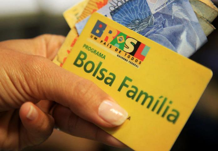 Novos beneficiários do Bolsa Família precisam sacar o recurso