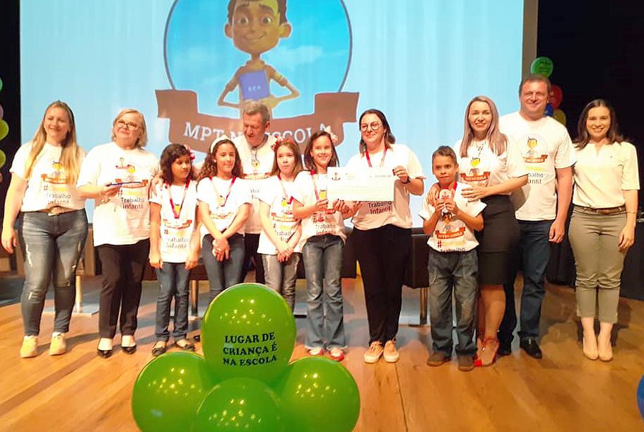 Escola Odila ganha o 2º lugar estadual do Prêmio Ministério Público na Escola