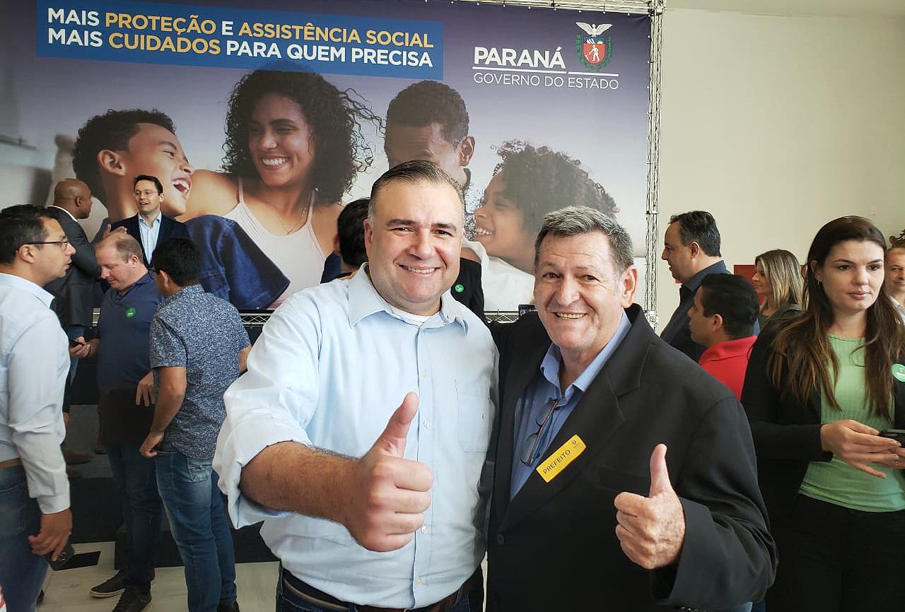 Prefeito Pegoraro assina termo de R$ 118 mil para Assistência Social