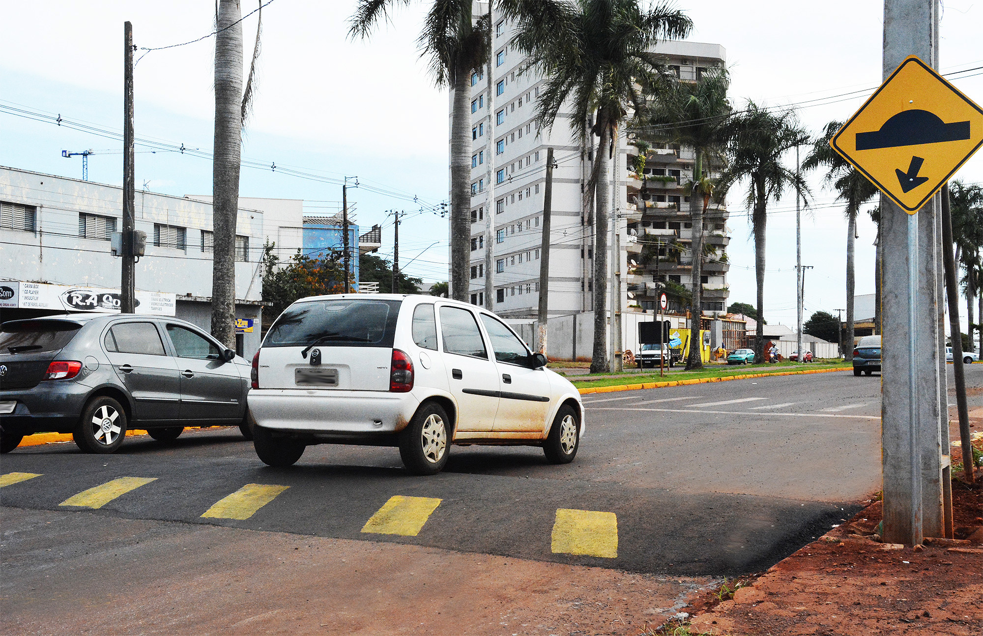 Novos redutores de velocidade são instalados na cidade