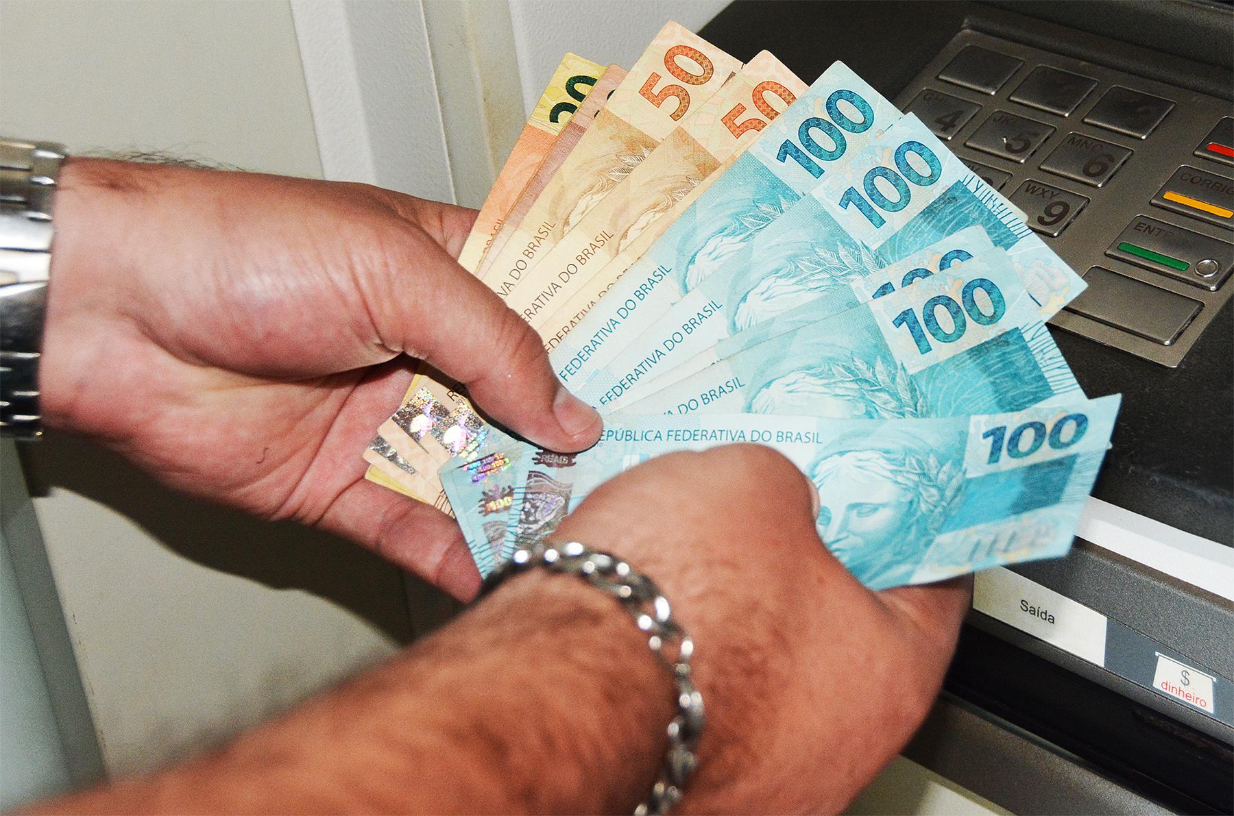 Prefeitura de Assis deposita parcela final do 13º salário