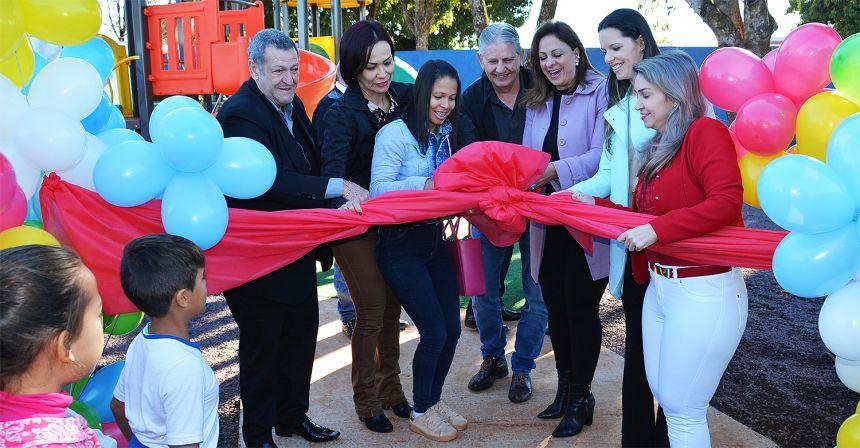 Prefeitura entrega parque infantil à Escola Mercedes Carrilho