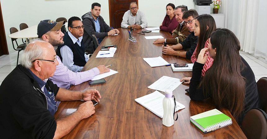 Reunião debateu a viabilização de recursos para execução da obra
