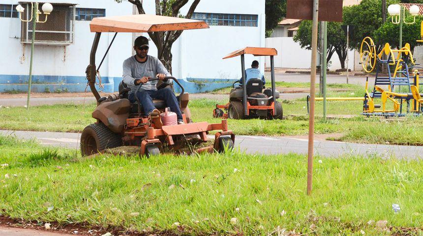 Período chuvoso faz Prefeitura acelerar manutenção de áreas públicas