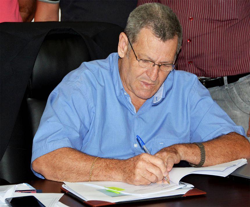 Assinado o contrato para duplicação da Avenida Industrial