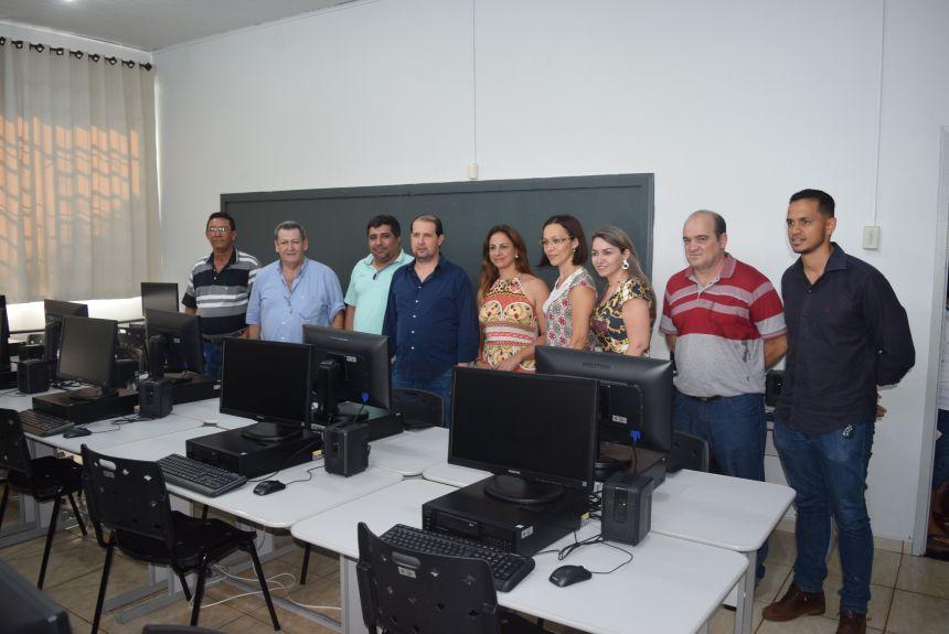 Telecentro Comunitário na Escola Municipal Mercedes Carilho