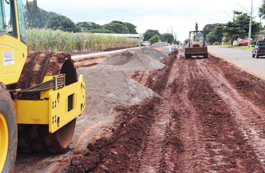 Obras em Assis: Duplicação da Avenida Industrial avança
