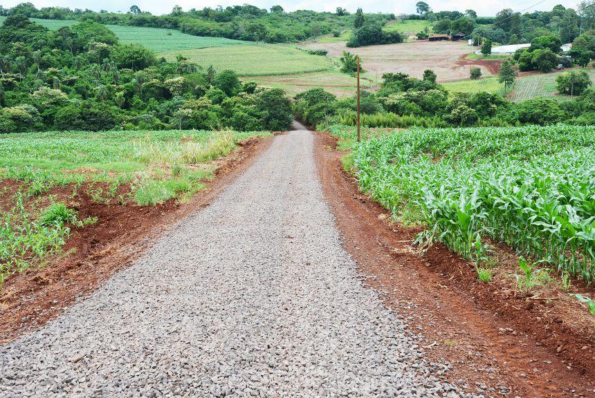 Município investe em melhorias de mais 10 quilômetros de estradas