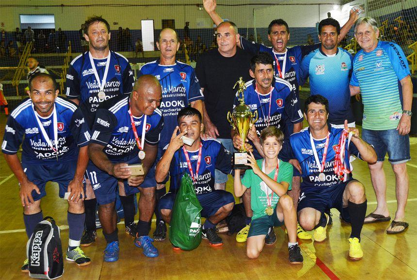 Municipal de Futsal define campeões no masculino, feminino e máster