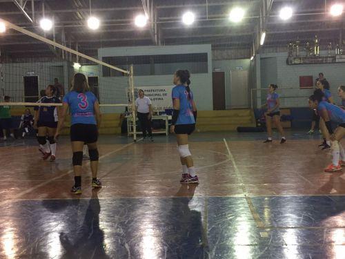 Voleibol garante duas vagas para as quartas e final em Palotina