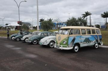 No domingo, exposição de carros antigos