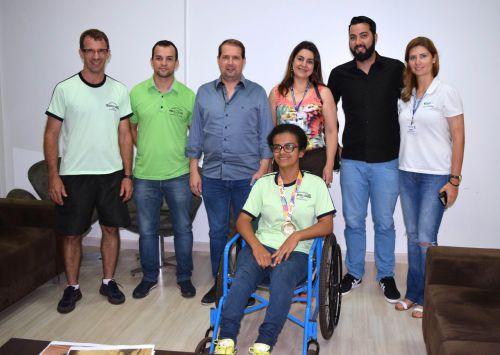 Atleta de Assis fatura três ouros em paralimpiadas Escolares
