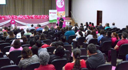 Dia D do ′Outubro Rosa′ movimenta centenas de mulheres