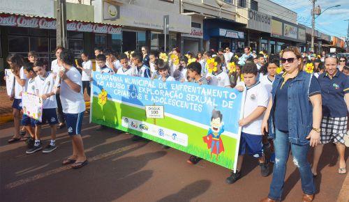 Assis realiza passeata de Enfrentamento ao Abuso Contra Crianças e Adolescentes