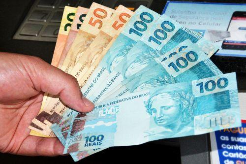 Prefeitura de Assis antecipa pagamento da primeira parcela do 13º salário