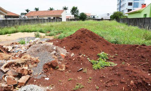 Terrenos sujos serão notificados a partir de 1º de fevereiro e multa chega a R$ 3 mil