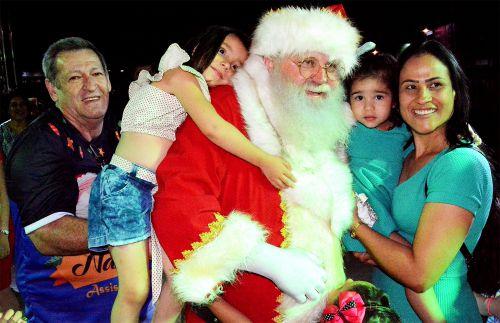 Natal Luz de Assis é aberto com grande público