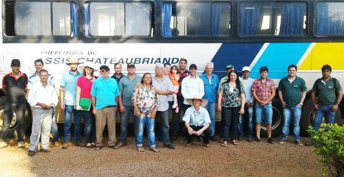 Grupo de agricultores recebeu informações para e técnicas para melhorar a produção