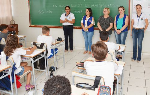 Alunos da rede municipal participam da Prova Paraná