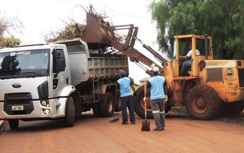 Mutirão de limpeza passa pelos bairros Jussara e Panorama