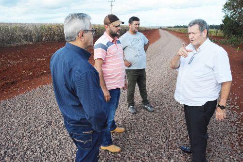Prefeitura de Assis conclui melhorias em mais 22 km de estradas