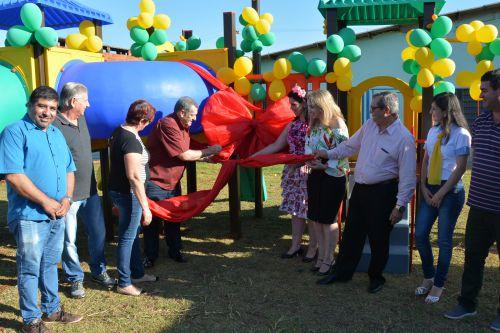 CMEI Sueli dos Santos Henrique recebe parque infantil