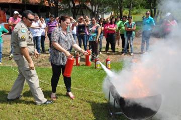 Servidores passam por capacitação sobre prevenção de incêndios em Assis