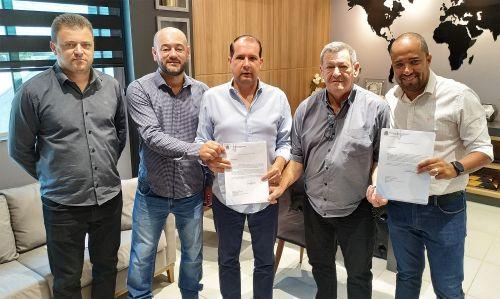 Pegoraro entrega à Micheletto ofícios para R$ 2,8 milhões em novos investimentos